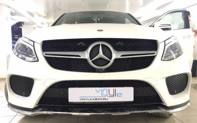 Mercedes-Benz GLE — установка защитной сетки в решетку радиатора