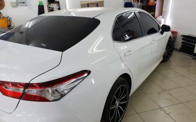 Toyota Camry — установка двойных стекол с тонировкой