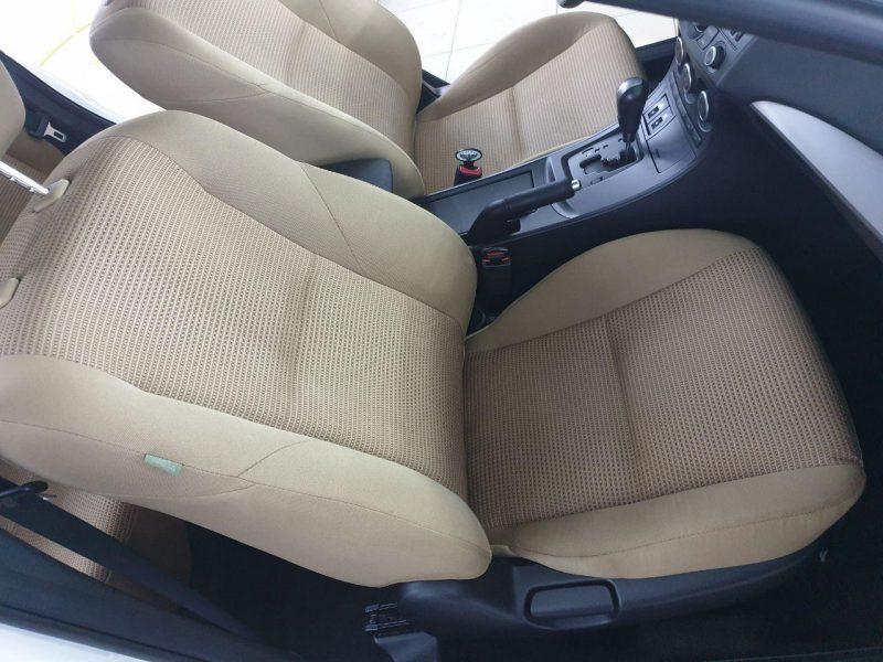 Mazda 3 серии — химчистка сидений автомобиля