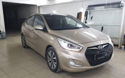 Hyundai Solaris — оклейка крыши пленкой KPMF