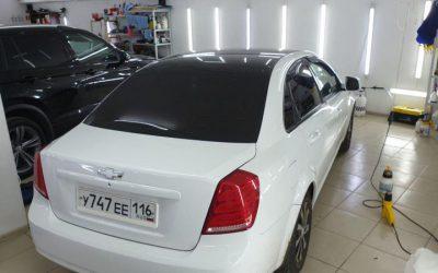 Chevrolet Lacetti — демонтаж виниловой пленки с крыши и оклейка крыши качественной пленкой Oracal 970