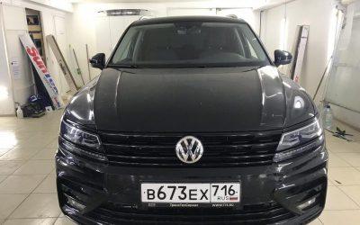 Оклейка хромированных элементов экстерьера автомобиля VW TIguan