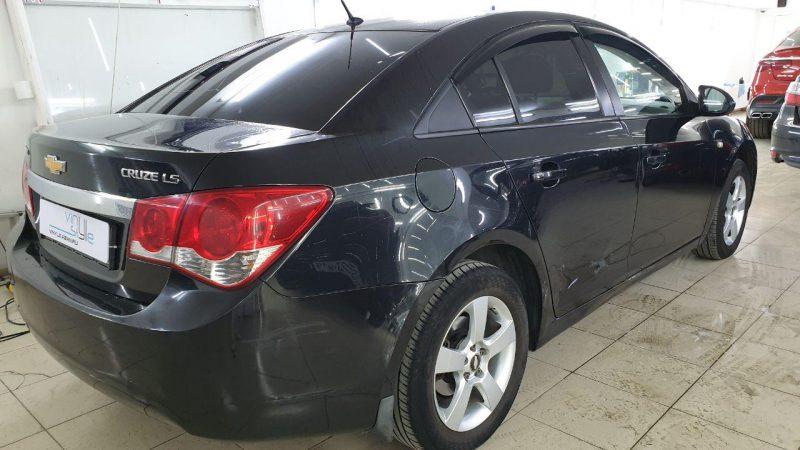 Chevrolet Cruze — тонировка задних стекол автомобиля пленкой Shadow Guard