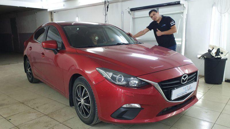 Mazda 3 — затонировали передние боковые стекла пленкой Carbon 65%