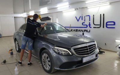 Mercedes-Benz C 200 — бронирование лобового пленкой ClearPlex, тонировка стекол пленкой Llumar