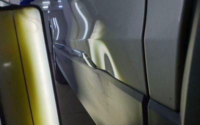 Volkswagen Tiguan — ремонт вмятин без покраски на двери автомобиля в Казани