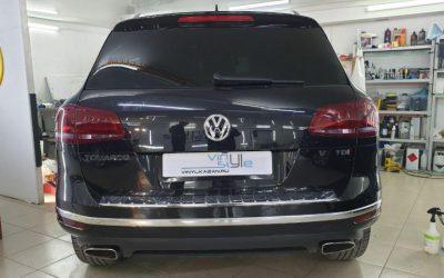 Бронирование фонарей и отражателей Volkswagen Touareg пленкой с эффектом затемнения Stek