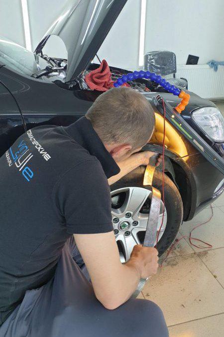 Skoda Octavia — ремонт вмятины без покраски