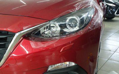 Mazda 3 — бронирование фар полиуретановой пленкой Hexis Bodyfence от пескоструя