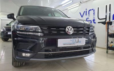 Volkswagen Tiguan — антихром решетки радиатора и молдингов