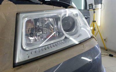 Renault Megane — полировка фар, химчистка салона автомобиля, скрытая проводка