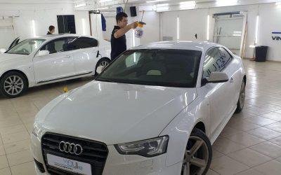 Audi A5 — оклейка крыши чёрной глянцевой плёнкой