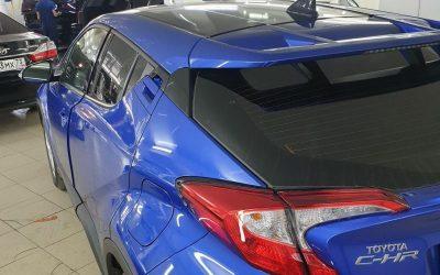 Toyota C-HR — оклейка крыши чёрной глянцевой плёнкой