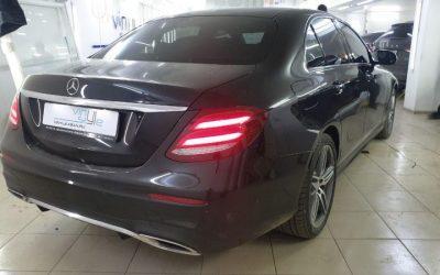 Mercedes E class — тонировка передних боковых стёкол 65% затемнения пленкой UltraVision