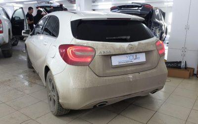 Mercedes A200 — тонировка передних боковых стёкол 65% затемнения пленкой UltraVision