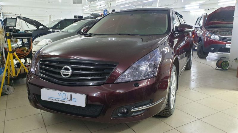 Nissan Teana — оклейка крыши авто, притемнили оптику, тонировка и бронирование лобового стекла, установка порогов