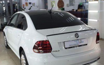 VW Polo — оклейка крыши автомобиля пленкой премиум класса