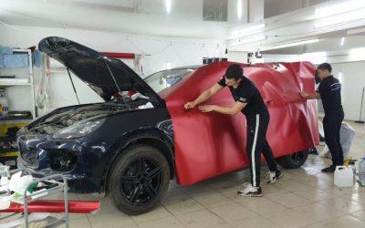 Porsche Cayenne — оклейка пленкой красный мат
