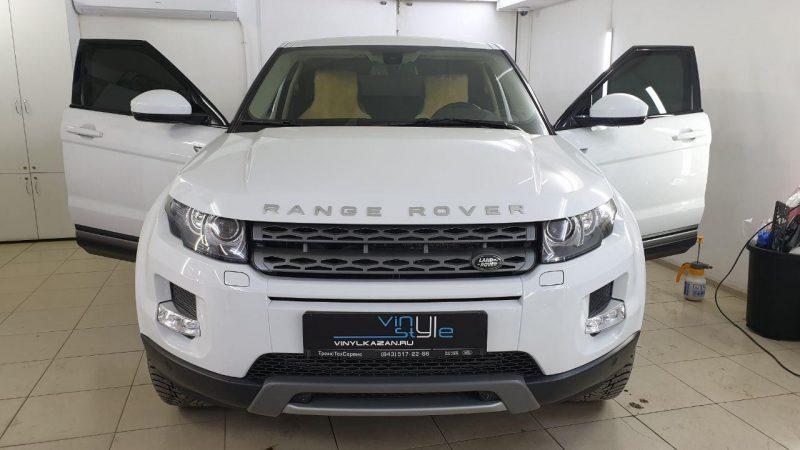 Range Rover Evoque — затонировали передние боковые стёкла плёнкой Ultravision 95% затемнения