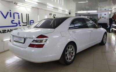 Mercedes S500 — оклейка кузова автомобиля пленкой белый глянец
