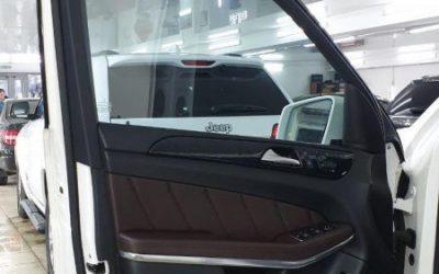 Mercedes GL 350 CDI  — затонировали передние боковые стёкла плёнкой Ultravision 50% затемнения