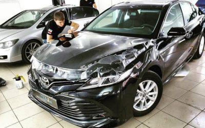Toyota Camry — полировка капота, бронирование капота и фар авто, установка автосигнализации, атермальная тонировка