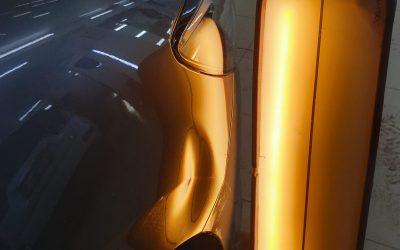 Выпрямление вмятины без покраски на переднем крыле автомобиля Mazda 6