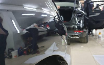 Ремонт вмятины без покраски на кузове автомобиля Mazda 6