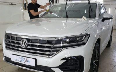Новый VW Touareg — бронирование кузова защитной полиуретановой пленкой, бронирование лобового стекла