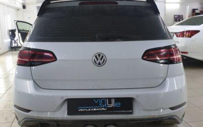 VW Golf — демонтаж защитной пленки и бронирование бампера новой пленкой, оклейка окантовки фар