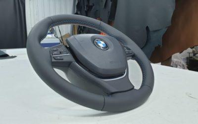 BMW 5 series — перетяжка руля с утолщением, ремонт водительского сидения, ремонт подлокотника в дверной карте