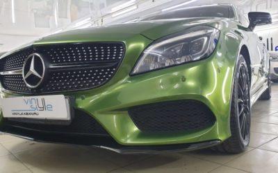 Mercedes CLS 250 — полная оклейка автомобиля супер блестящей зелёной плёнкой и целый комплекс работ