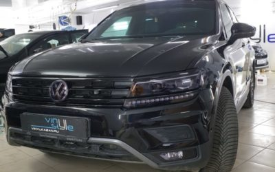 VW Tiguan — шумоизоляция салона, перетяжка потолка, покраска пластика в салоне, антихром