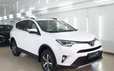 Toyota Rav4 — полировка кузова и нанесение керамики в 1 слой