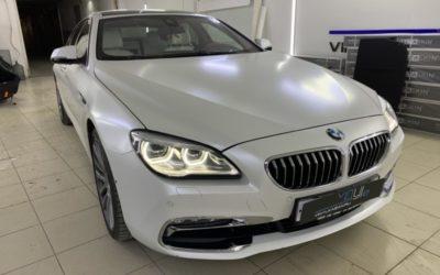 BMW 640D — полная оклейка кузова автомобиля пленкой в цвете белый сатин