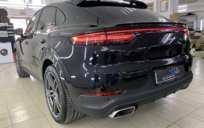 Porsche Cayenne — бронирование оптики и зон риска полиуретановой пленкой Дельтаскин