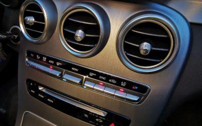 Центральная консоль Mercedes C класса — нанесли фактуру шлифованный алюминий в светлом исполнении