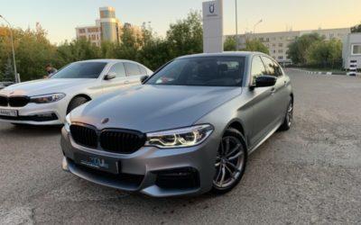 BMW 530i — бронирование кузова матовой полиуретановой пленкой, антихром, оклейка крыши и зеркал, бронирование и тонировка