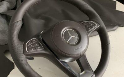 Перетянули руль под оригинальную кожу с перфорацией для автомобиля Mercedes GLS 350d