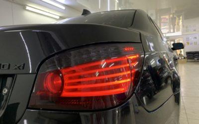 BMW 530 — тонировка фар фиолетовой глянцевой пленкой Stek