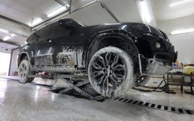 Мойка днища автомобиля BMW X5