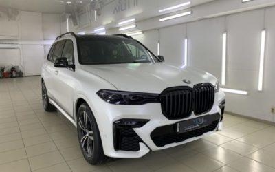 BMW X7 — бронирование кузова матовой полиуретановой пленкой Deltaskin, антихром