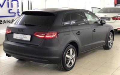 Audi A3 — оклейка кузова черной матовой пленкой, покраска значков, антихром, ремонт вмятин без покраски