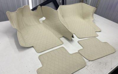 Пошили 3D ковры из бежевой экокожи в два ряда для салона Mercedes S63 AMG