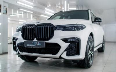 Оклейка матовой полиуретановой пленкой Deltaskin серии Matte PPF автомобиля BMW X7