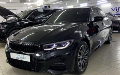 Новая BMW 320 — бронирование всего автомобиля пленкой, антихром решетки радиатора, покраска насадок выхлопа, тонировка