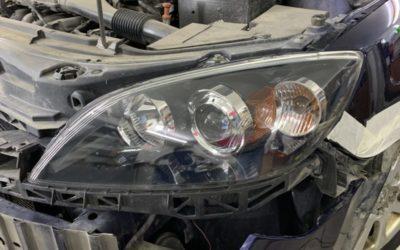 Заменили штатные галогеновые линзы автомобиля Mazda 3 на светодиодные bi-led модули