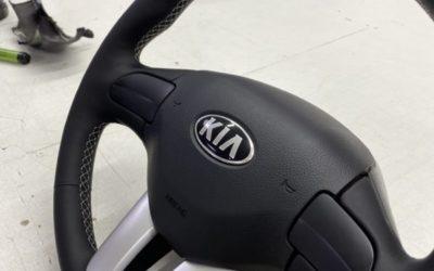 Kia Sportage — перетянули руль автомобиля в экокожу