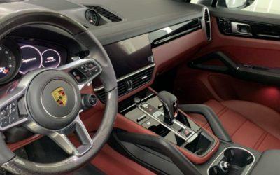 Porsche Cayenne Coupe — забронировали весь кузов глянцевым прозрачным полиуретаном, забронировали все пластиковые элементы в салоне, обратка салона керамикой, нанесение гидрофобного покрытия на стекла
