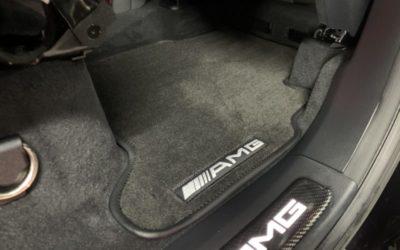 Пошили ворсовые коврики с резиновой подложкой в два ряда в салон Mercedes G63 AMG